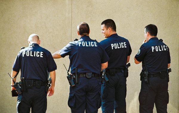 Policja z nowymi legitymacjami
